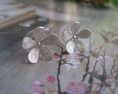 Spring Collection - Silver Plated Flower Floral Stud Earring
