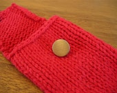 Gadget Case / iPhone iPod Pouch / Apple Red / Handmade / Knit