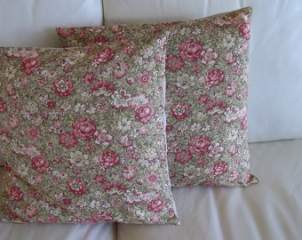 SALE Throw Pillow Cover Shabby Chic Rose Floral 18 x 18 Set of 2