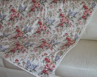 Comforter Throw Quilt Blanket Shabby Chic, Cottage Rose Floral, Rachel Ashwell & Laura Ashley Fabric