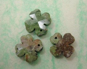Rain Forest Green Opal 25mm Faceted Clove Shape Pendants (3pc) G3070