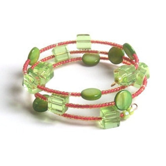 Memory Wire Glass and Green Mother of Pearl Memory Wire Bracelet