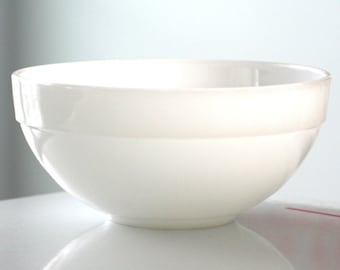 Anchor Hocking Fire King Milk Glass Colonial Mixing Bowl