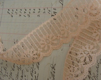 3 Yrds Gorgeous Vintage Scalloped  Lace Lot