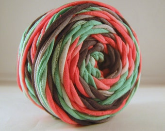 T-Shirt Yarn - Pink Green - Gray Grey - 60 Yards - T Shirt Yarn - Recycled Yarn - Fabric Yarn - Chunky Yarn - Upcycled Yarn - Bulky Yarn,