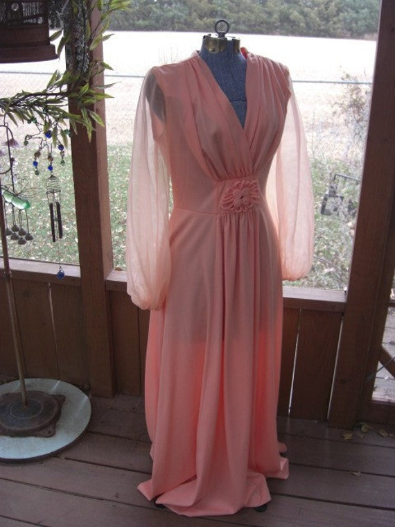 Vintage Peach Colored Knit Long Evening Dress  Size Medium