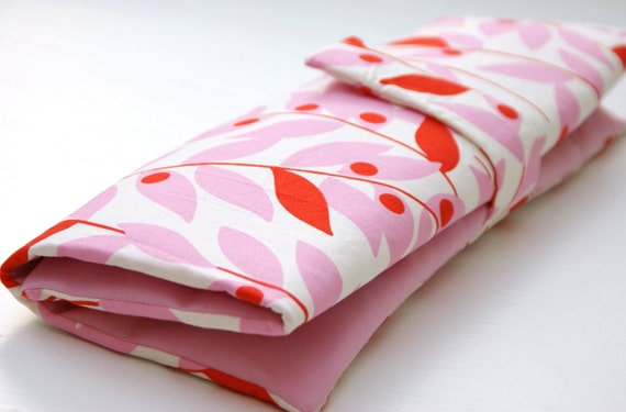 Knitting Needle Organizer, Pink Red Leaf