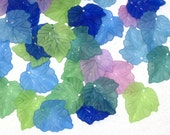 30 Lucite Leaf Beads Acrylic Leaf Beads - Vintage Style Seaside Frost  - 24x25mm