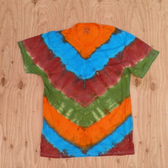 Mother Earth V-Stripe Tie Dye T-Shirt (Fruit of the Loom Size M) (One of a Kind) (On Sale)