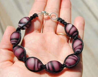 Swirled Purple & Black Beaded Hemp Bracelet