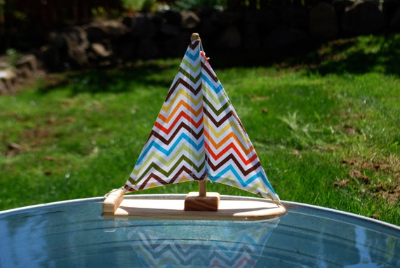Happy Zigzag Wooden Sailboat Bathtoy