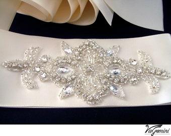 bridal sash,, rhinestone wedding sash belt, crystal wedding sash, vintage wedding sash, bling bridal sash