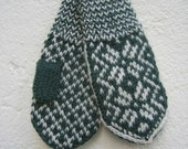 Handknitted norwegian mittens for children in dark green and white
