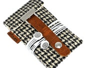 Stash iPod Touch / Classic case - black and white vintage houndstooth  wool