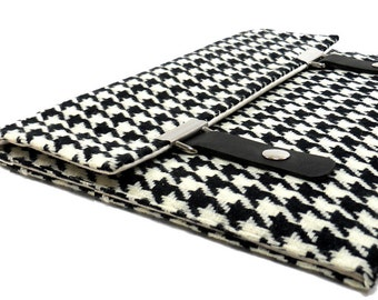 iPad / iPad Air / iPad Pro case - black and white houndstooth