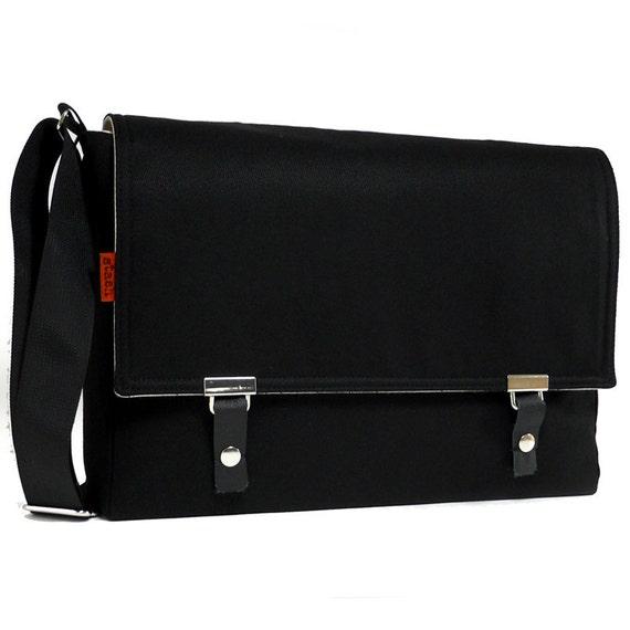 "Messenger bag for 11"" MacBook Air - black twill"