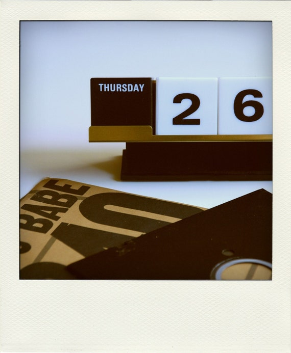 Perpetual Calendar Cube : Perpetual desk calendar no black white cube tray
