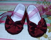 Shimmery Pixie Toes Baby Shoes in Merlot Taffeta