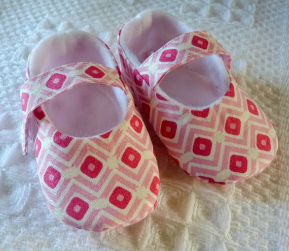 SALE ..Pink Diamonds Soft Baby Shoes from Pixie Toes  LAST PAIR size medium