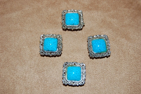 Vintage set of 4 Turquoise Blue and Silver Button Covers