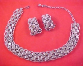 SALE - Silver RP Hearts & Circles of Love Demi Parure Necklace and Earrings