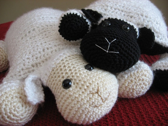 Crochet Lamb,Cute and Cuddly Crochet Critter Pillow,Crochet pattern pdf, Instant Pattern Download Available