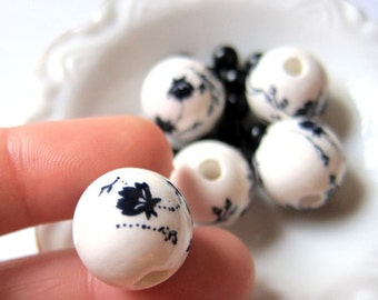 5 pcs - 15mm - Round Ceramic Hand Painted Flowers Beads - G029