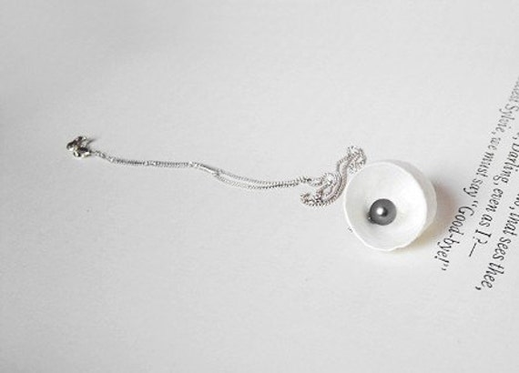 new born, cocoon and pearl necklace, handmade in England by Huiyi Tan