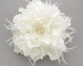 Large flower bridal fascinator, hair clip - Alexis