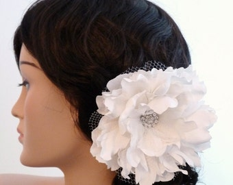 Large flower bridal fascinator, hair clip - Farrah