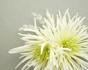 Bridal fascinator, flower hair clip - White spider mum