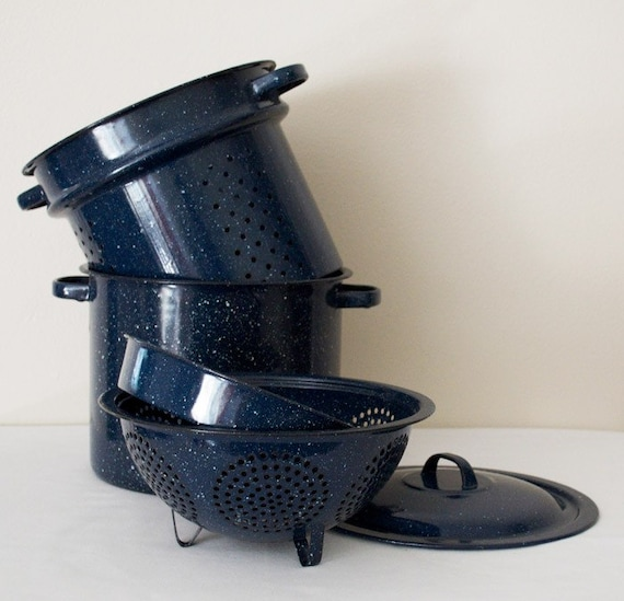 Blue enamel stock pot with accessories