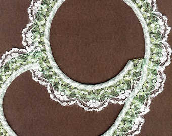 Double gathered lace trim White and Kelly Green 15yd   (XD153)