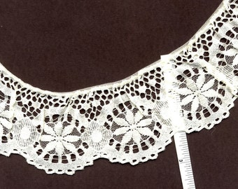 2 inch wide CREAM gathered lace trim 15 yds (X860)
