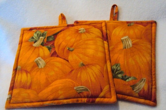 Reserve listing - final payment for Pumpkin Potholders-Set of 2 and Brown Turkey Feathers Table Runner