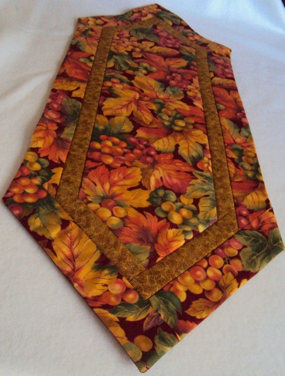 Fall Autumn Grapes and Leaves Table Runner - Table Mat