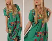 Emerald Green Vintage MEXICAN Embroidered Boho Dress