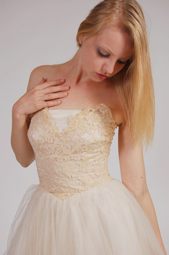 Vintage 50s Wedding Dress LACE & TULLE Ivory  Princess Party Dress
