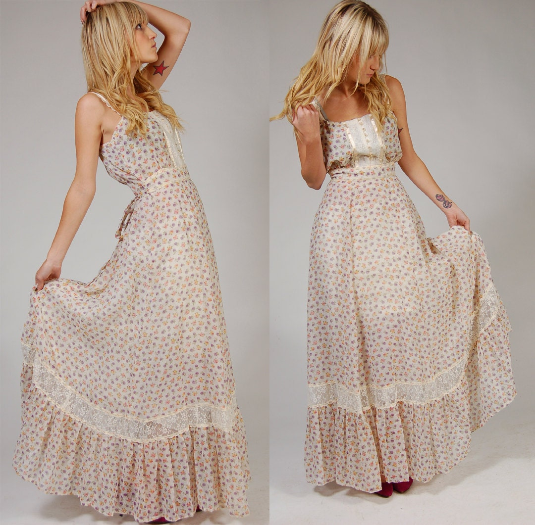 Vintage 70s Boho Maxi Dress White FLORAL Long PRAIRIE Dress