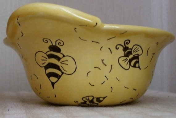 Busy Bumble Bees Mixing Bowl