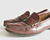 SALE - vintage sz 9 brown leather loafers