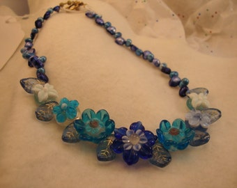 Blue Flower Lampwork and Freshwater Pearls Choker - ADORABLE