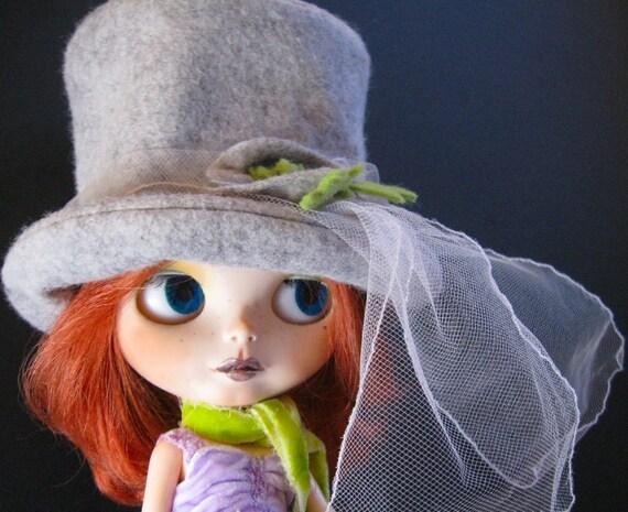 Doll Hat for Blythe - Gray Wool Felt