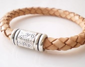 Leather Bracelet with Magnetic Clasp in Natural