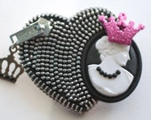 Queenie Girl - Jet Black and Silver Vintage Zipper Lapel Pin