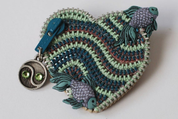 Tattoo Style Fish - Sea Green and Blue Vintage Zipper Lapel Pin