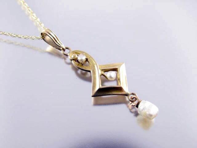 Antique Edwardian 10k gold pearl lavalier pendant necklace