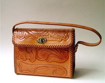 vintage Hand Tooled Caramel Brown Leather Purse