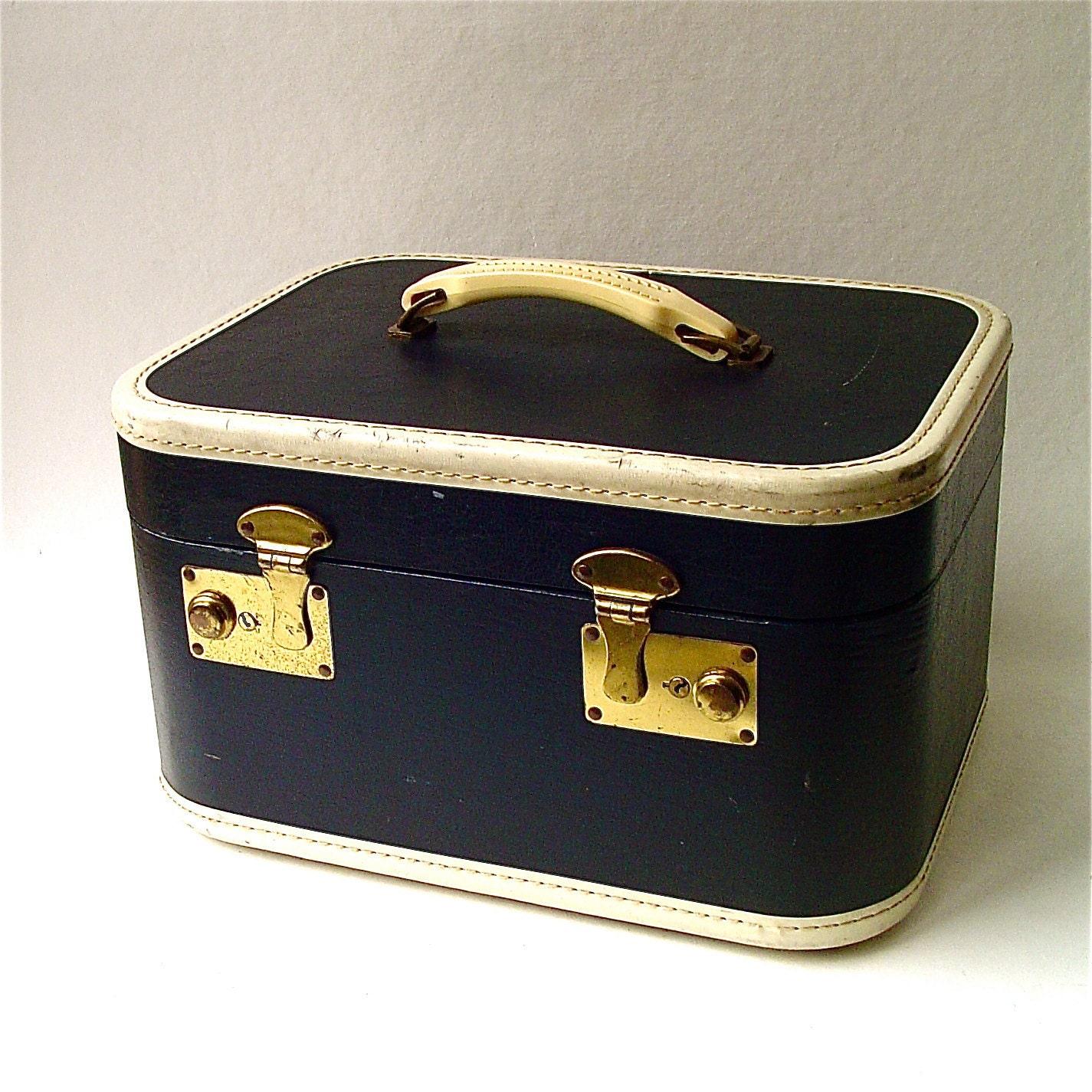 40s Vintage Midnight Blue Train Case