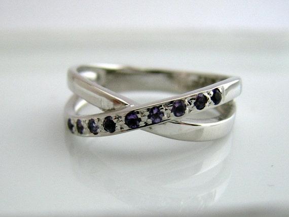 Amethyst Silver Ring - Purple Amethyst Sterling Silver Band - 925 Sterling Silver - Hug Ring